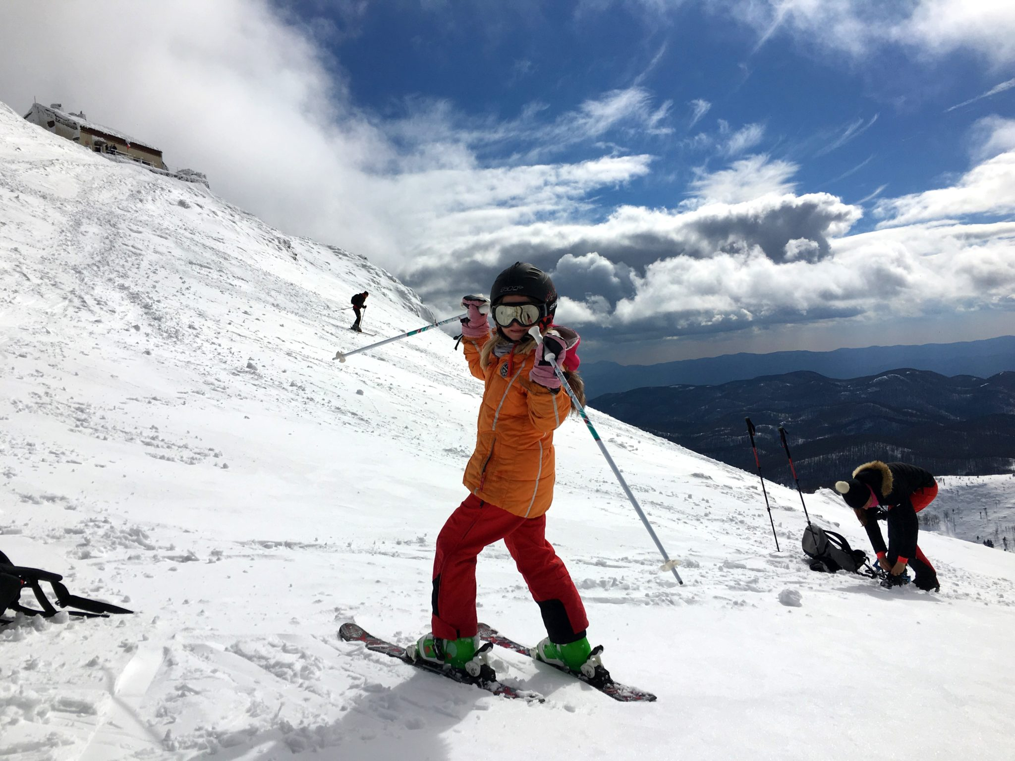 Get on those skis and start rolling! Meet the bravest 6-year old who nailed her first off-piste skiing from the very top down a 1.796-m or 5,900-Ft mountain. Photo by: Exploring Slovenia.